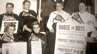 Drinks, Crime and Prohibition - Flappers and Bootleggers
