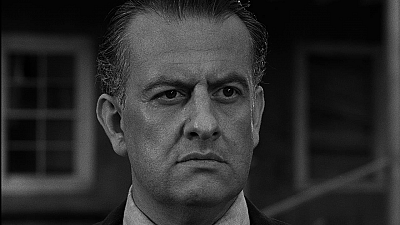 The Twilight Zone Classic - Deaths-Head Revisited