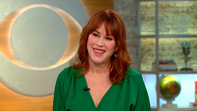 """CBS This Morning - Molly Ringwald talks """"All These Small Moments"""""""