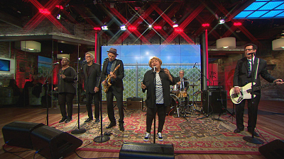 "CBS This Morning - Mavis Staples performs ""Change"""