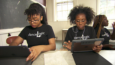 CBS This Morning - Innovative program combines coding and dance
