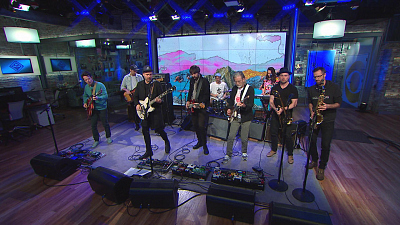 "CBS This Morning - Broken Social Scene performs ""Can't Find My Heart"""