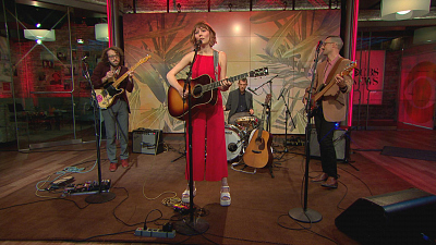 "CBS This Morning - Molly Tuttle performs ""Messed With My Mind"""
