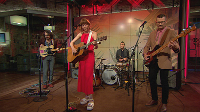 "CBS This Morning - Molly Tuttle performs ""Take the Journey"""