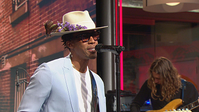 "CBS This Morning - Raphael Saadiq performs ""I'm Feeling Love"""