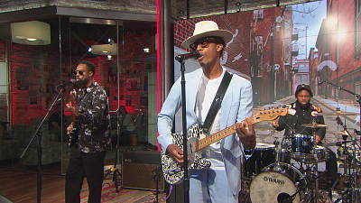 "CBS This Morning - Raphael Saadiq performs ""This World Is Drunk"""