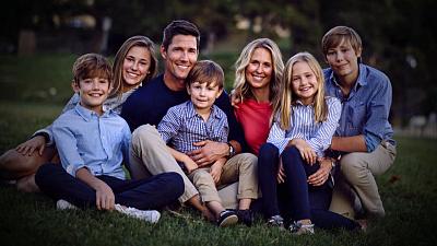Sunday Morning - A model family