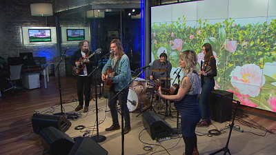 "CBS This Morning - Bonny Light Horseman performs ""Deep in Love"""