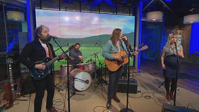 "CBS This Morning - Bonny Light Horseman performs ""The Roving"""