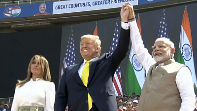CBS This Morning - President Trump greeted in India with rally