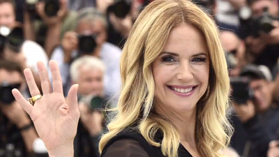 CBS This Morning - Kelly Preston dies after cancer battle