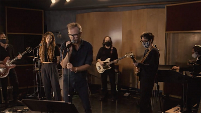 "CBS This Morning: Saturday - Matt Berninger performs ""Serpentine Prison"""